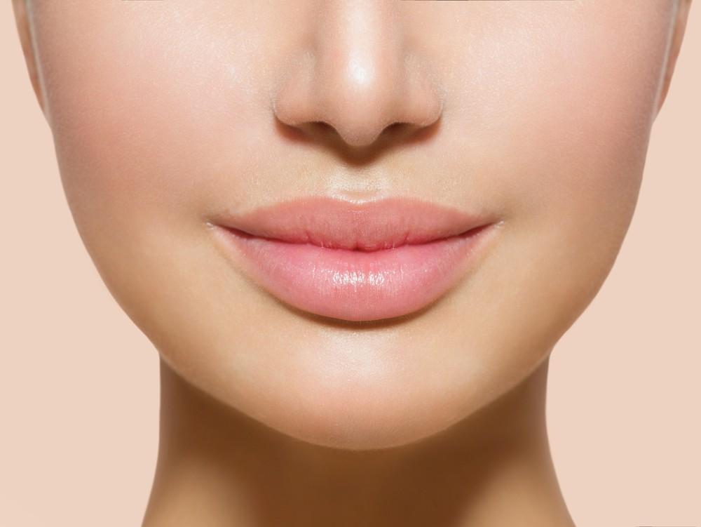 увеличение губ , контурная пластика